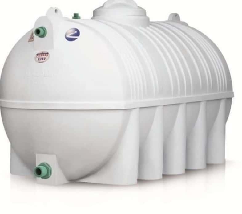 غسيل خزانات المياه البلاستيكية