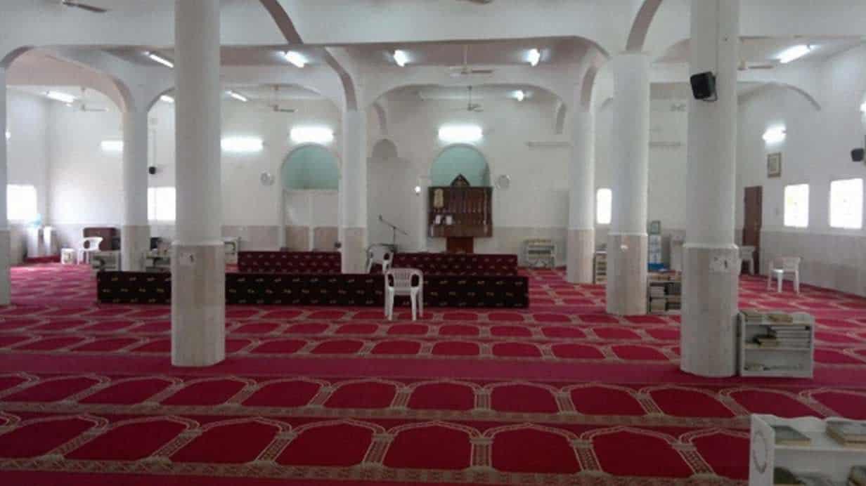 Cleaning mosques in Riyadh